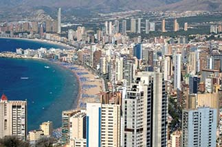 Living in Benidorm with Grupo Mar de Casas