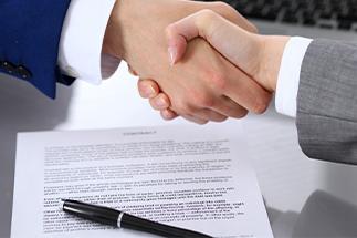 Contrato de compraventa y contrato de alquiler con opción a compra Grupo Mar de Casas