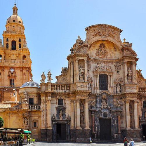Vivir en Murcia  La Catedral de Murcia es el reflejo de una sociedad murciana vitalista y mediterranea 600x600